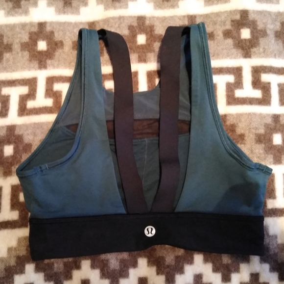 lululemon athletica Other - Lulu sports bra size 2